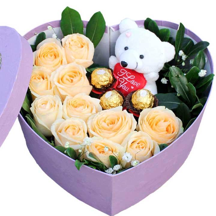 盒装鲜花/11枝香槟玫瑰+巧克力北京花道佳