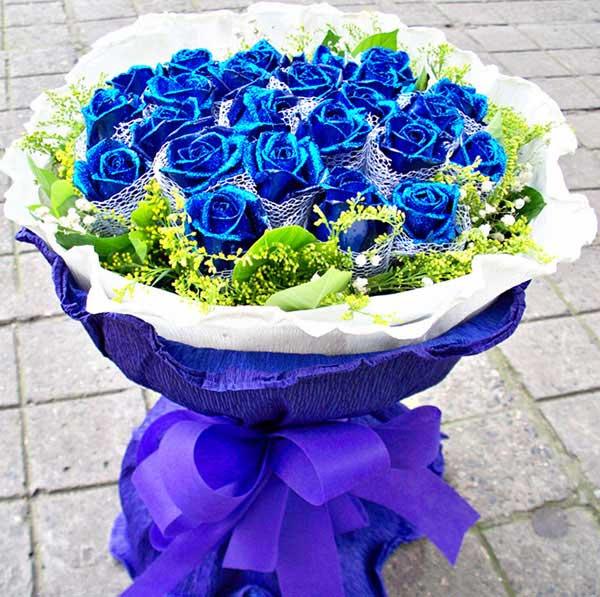 每秒想的都是你/33支蓝玫瑰金灵鲜花店