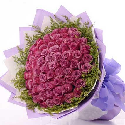 热切的期盼/66支紫玫瑰工艺鲜花婚庆