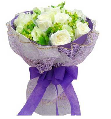 9支白色玫瑰/生生世世陪着你长沙创境花间