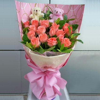 在乎的人/16支粉玫瑰南岸区常春藤花艺