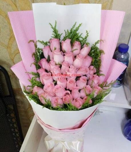 光明新区百合花坊可爱的你/33支粉色玫瑰