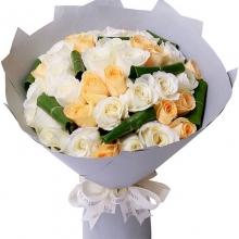 海燕鲜花店兰村店平平淡淡才是真/33枝玫瑰