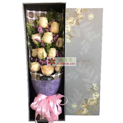 上海妮成鲜花店真诚的表白/11枝香槟玫瑰