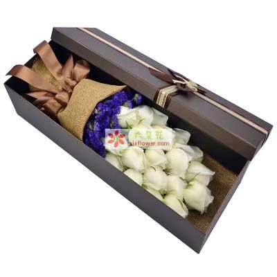 你是我一生的追求/18支白色玫瑰礼盒北京温馨花艺鲜花店