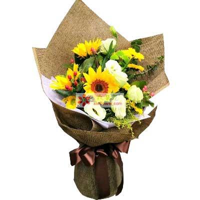 幸福陪伴/3支向日葵,扶郎6支,桔梗6支花与礼物