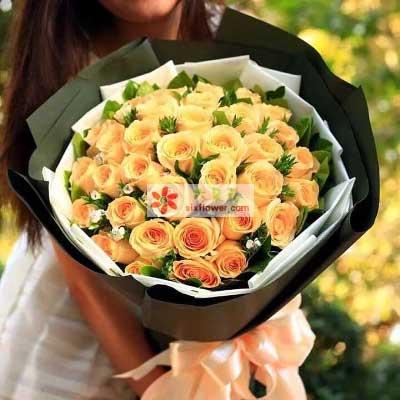 我是真的爱上你/36支香槟玫瑰光明新区百合花坊