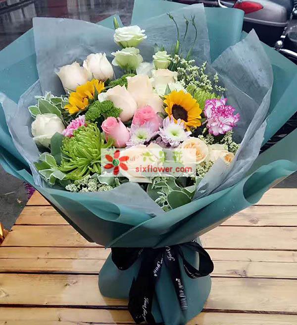 时下姐花房想一路陪着你,让你从此绚烂多彩/11枝玫瑰