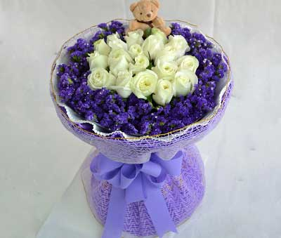 爱上你是我今生最大的幸福/19支白玫瑰天津滨海新区玫瑰鲜花蛋糕