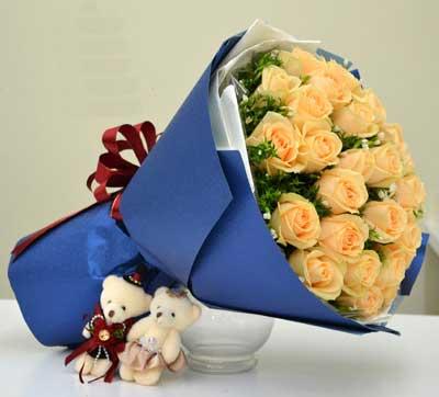 对您的想念更加悠长/香槟玫瑰33支果然有花