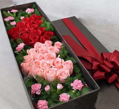 南京博雅花艺40支玫瑰康乃馨礼盒/对你的爱,一切尽在不言中!