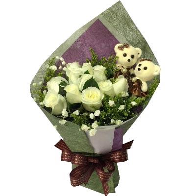 爱你是如此甜蜜/11支白色玫瑰天津滨海新区玫瑰鲜花蛋糕