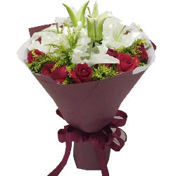 今生你是幸福的/11枝红玫瑰,2枝百合