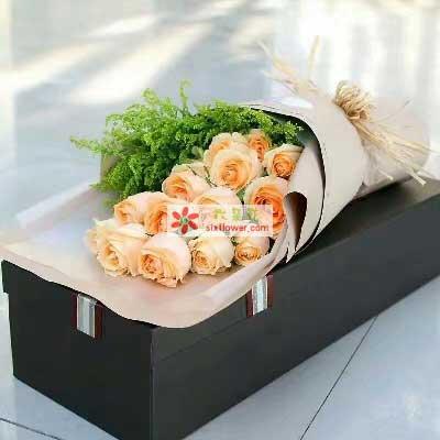 决不轻言放弃/15枝香槟玫瑰礼盒幸福湾鲜花批发部