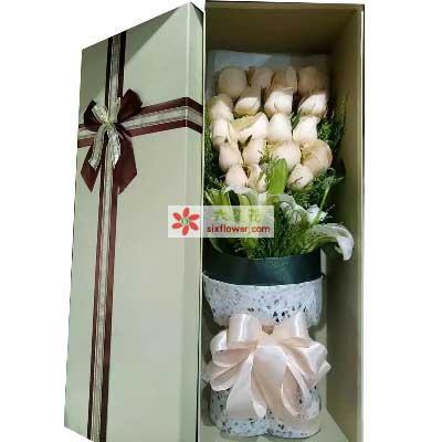 时下姐花房让我领悟爱情/19支香槟玫瑰礼盒