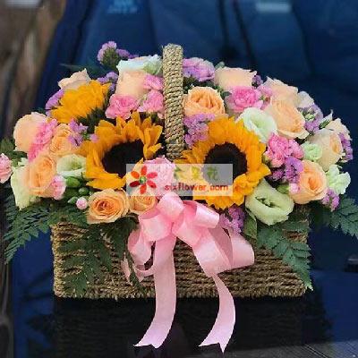 永远幸福/29支香槟玫瑰,4支向日葵花篮新鲜花艺