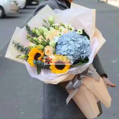 云裳花坊父爱/9支香槟玫瑰、桔梗、向日葵、绣球花