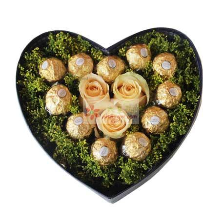 天津百合塘沽店11颗巧克力,3朵香槟玫瑰,真情的温暖