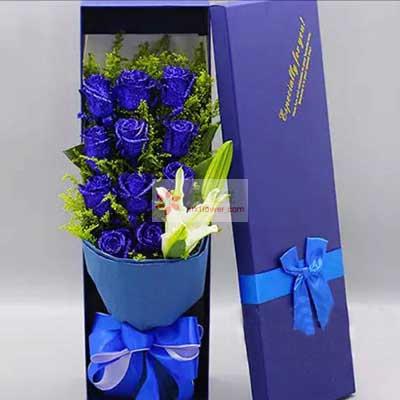 南京美嘉鼓楼店11朵蓝玫瑰,1支白色多头百合,我想你了