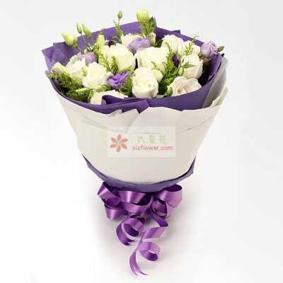 11朵白玫瑰,10朵桔梗,生活永远充满浪漫果然有花