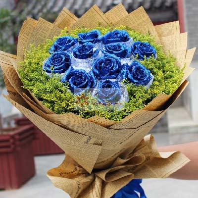 晟佰棠花艺店11朵蓝色玫瑰,与你相逢是上帝的恩赐
