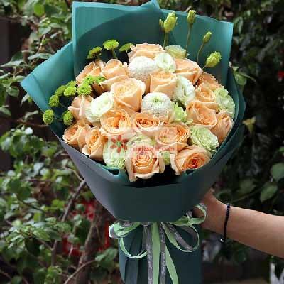 17朵香槟玫瑰,思念你的心声青岛花艺坊鲜花店