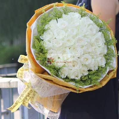 35朵白玫瑰,为你而有爱花艺美花店