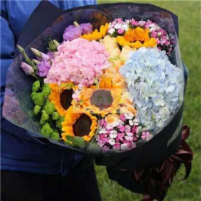 向日葵+香槟玫瑰+绣球花,平安幸福每一天