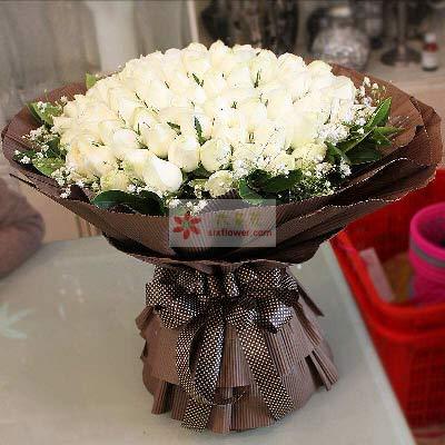 小玉鲜花批发99朵白玫瑰,永生永世的与你共牵手