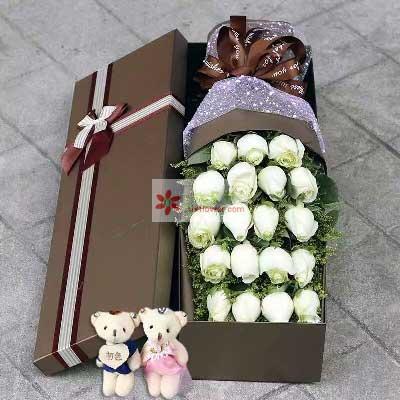 有你才完整/19枝白色玫瑰礼盒同心缘花店