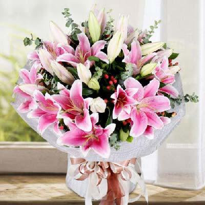 沁香阁鲜花礼品8支多头粉色百合/幸福永久