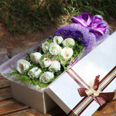 11朵白玫瑰礼盒,愿你我爱情天长地久唯美花艺