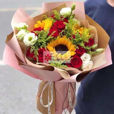 唯美花艺11朵红玫瑰,3朵向日葵/幸福快乐永相随