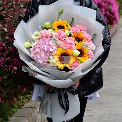桐庐花蜜鲜花4朵向日葵,11朵粉色康乃馨,婉转悠扬的爱