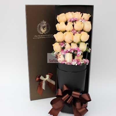 百年好合花艺19朵香槟玫瑰,礼盒装,唯你而爱