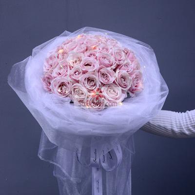 大花喵花店34朵戴安娜粉玫瑰,多姿多彩的爱情