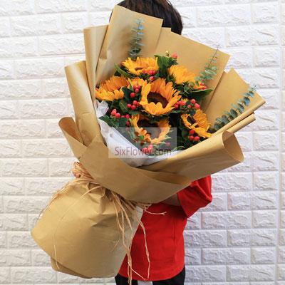 青岛花艺坊鲜花店6朵向日葵,感谢您给了我生命的力量