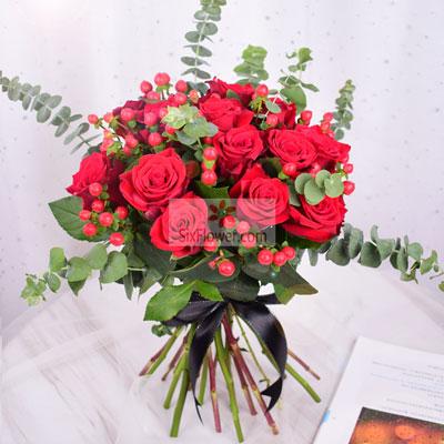 南京美嘉鼓楼店11朵红玫瑰,情不变爱不移