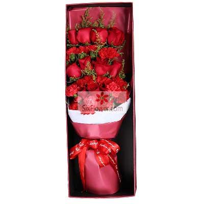 11朵红玫瑰,11朵红色康乃馨,祝女王快乐,幸福绵长惠州惠阳子艺花缘坊