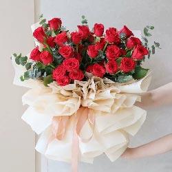 33朵红玫瑰,有一个人爱着你