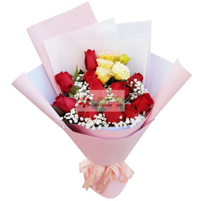 梦幻花坊11朵红玫瑰,拥抱你