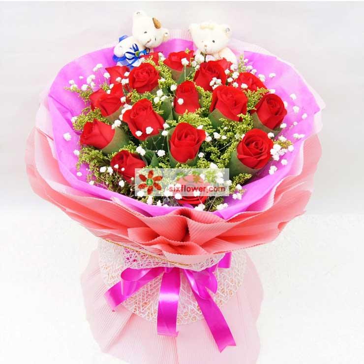 花材:19枝红色玫瑰,黄英,满天星搭配; 包装:粉红色高档包花纸,粉红色