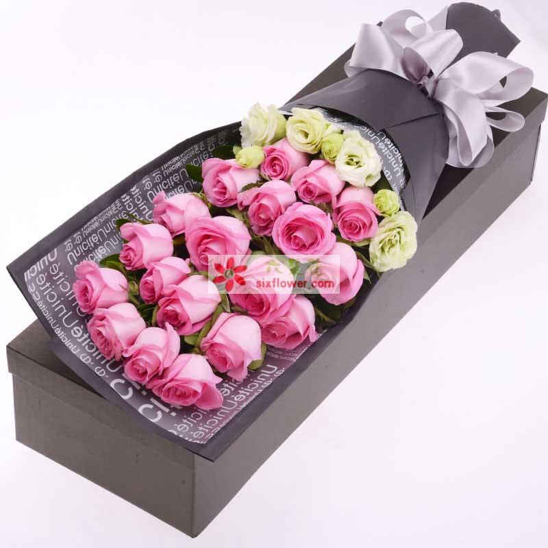19枝粉玫瑰,桔梗搭配;