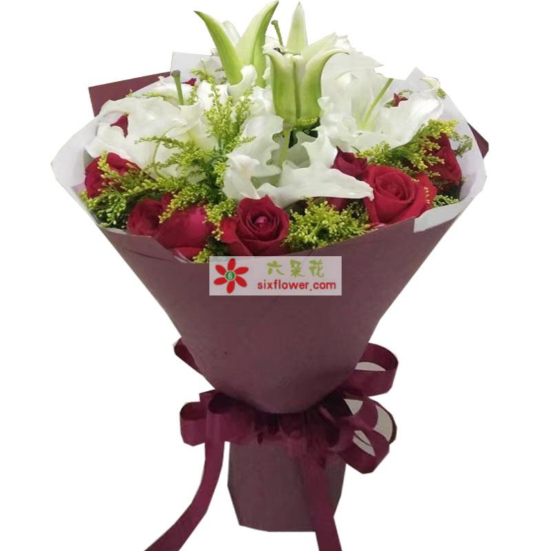 11枝红玫瑰,2枝白色多头香水百合,黄英丰满
