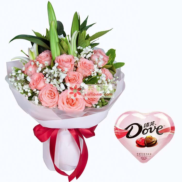 11枝戴安娜粉玫瑰,1枝多头百合,满天、栀子叶搭配,德芙心语巧克力98克