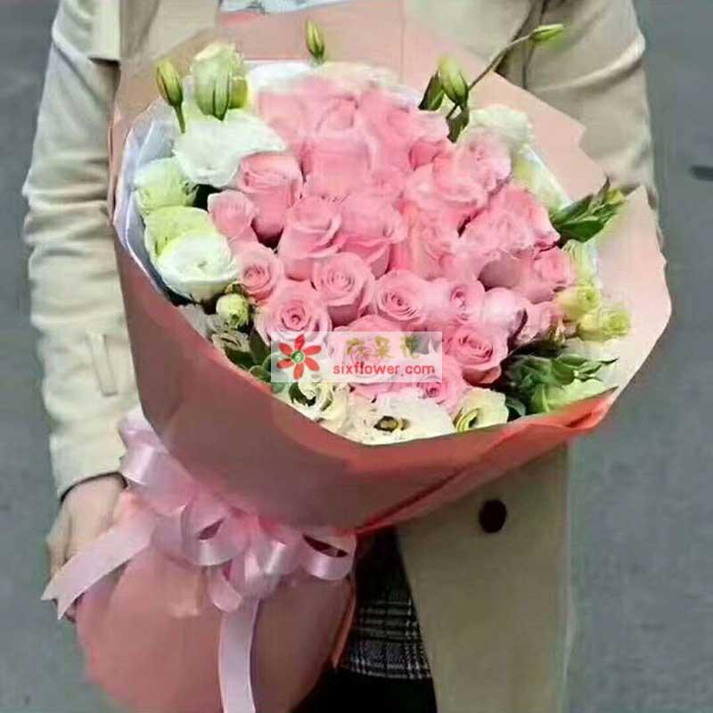 29枝戴安娜粉色玫瑰,周围18枝桔梗搭配