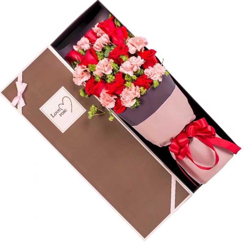 10枝粉色康乃馨,11枝红色玫瑰,黄英丰满