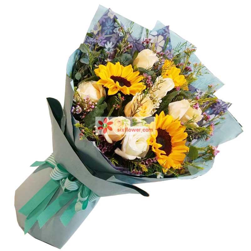 3枝向日葵,9枝香槟玫瑰,相思梅、橛子叶、尤加利点缀(配草以实物为准)