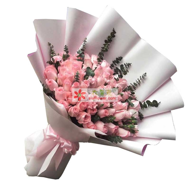 66枝戴安娜粉色玫瑰,尤加利点缀;
